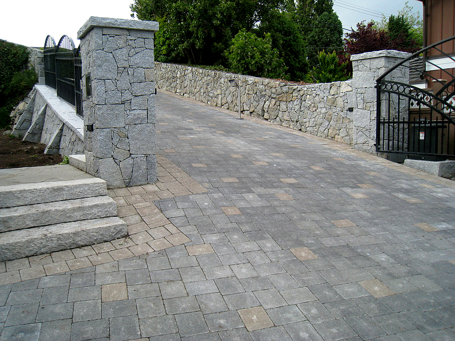 Driveways rooster brick the advantages of paving stones speak for themselves unlike concrete or asphalt no curing or setting time is required for interlocking driveway paving solutioingenieria Choice Image